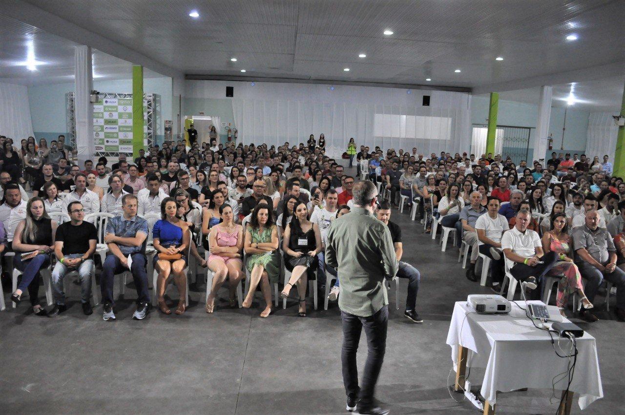 Conexão AEPR reúne mais de 400 pessoas em Pouso Redondo