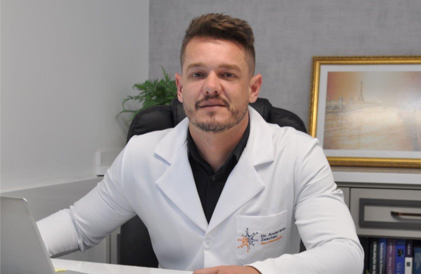 Dr. Anderson Zeschau: médico se destaca no Alto Vale com subespecialidade voltada a diagnósticos das doenças neurológicas