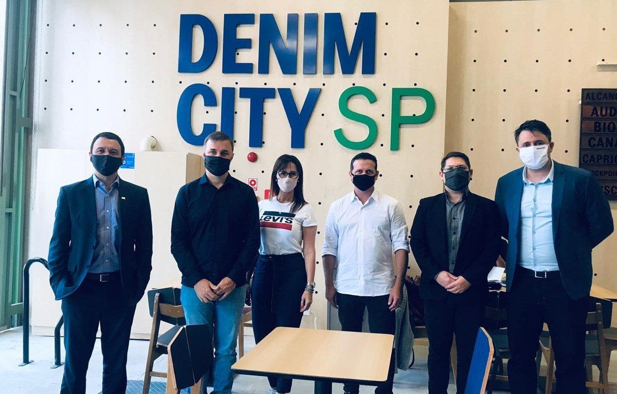 Marca Vale Azul é lançada no Denim City SP