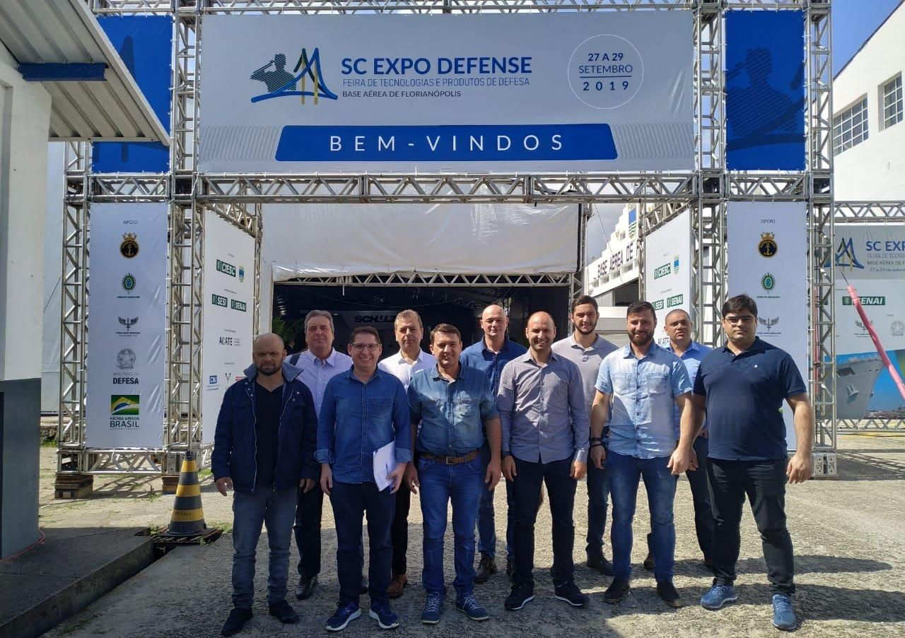 Comitiva do Alto Vale do Itajaí visita a SC Expo Defense