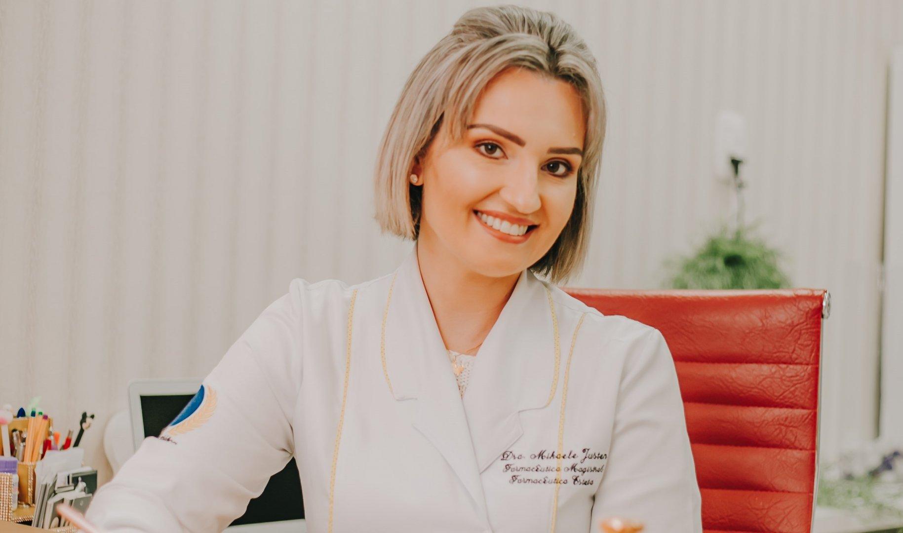 Mikaele Justen: especialista em harmonização facial
