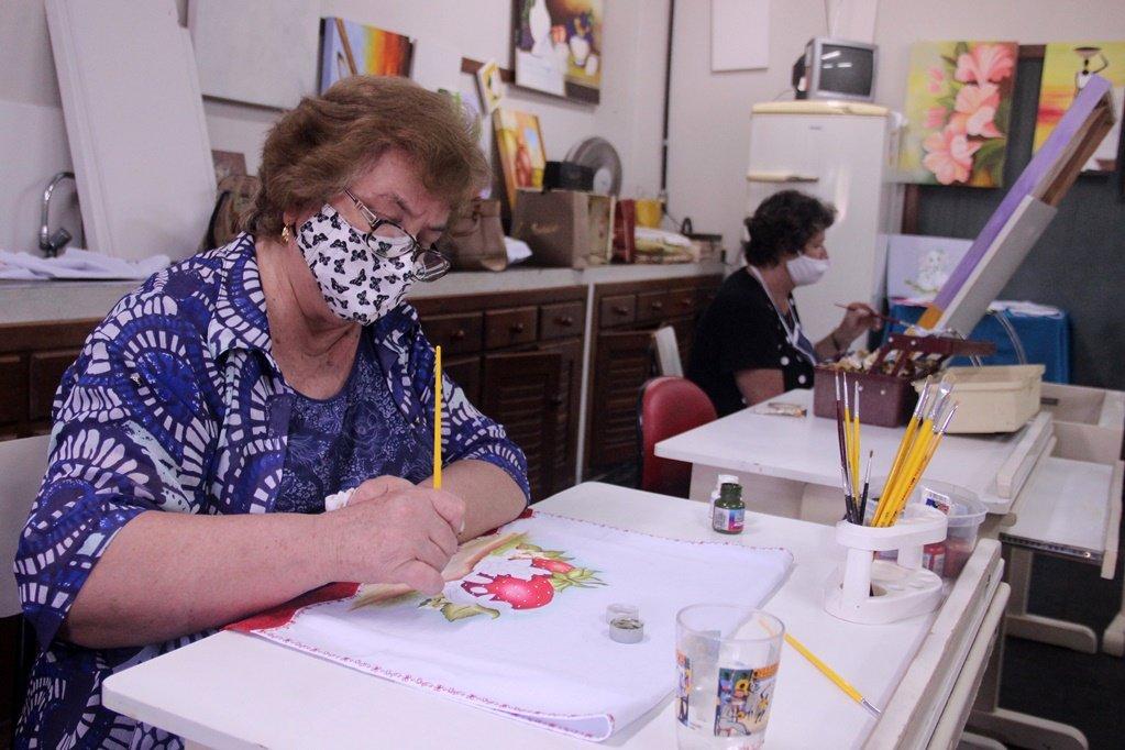 Três décadas de ensino de arte e eventos culturais