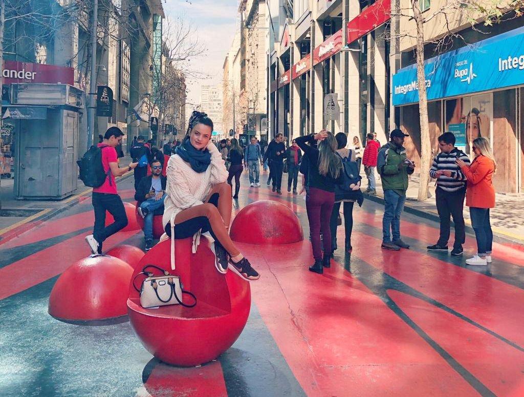 Débora Nardelli visita o Chile em busca de conhecimento