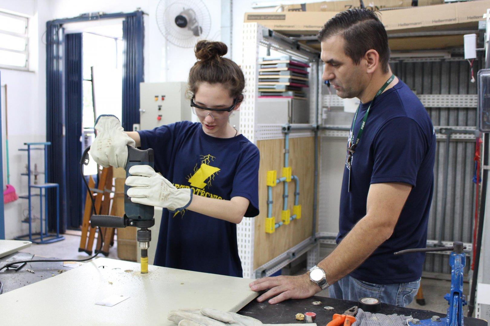 SENAI Alto Vale abre inscrições para cursos técnicos