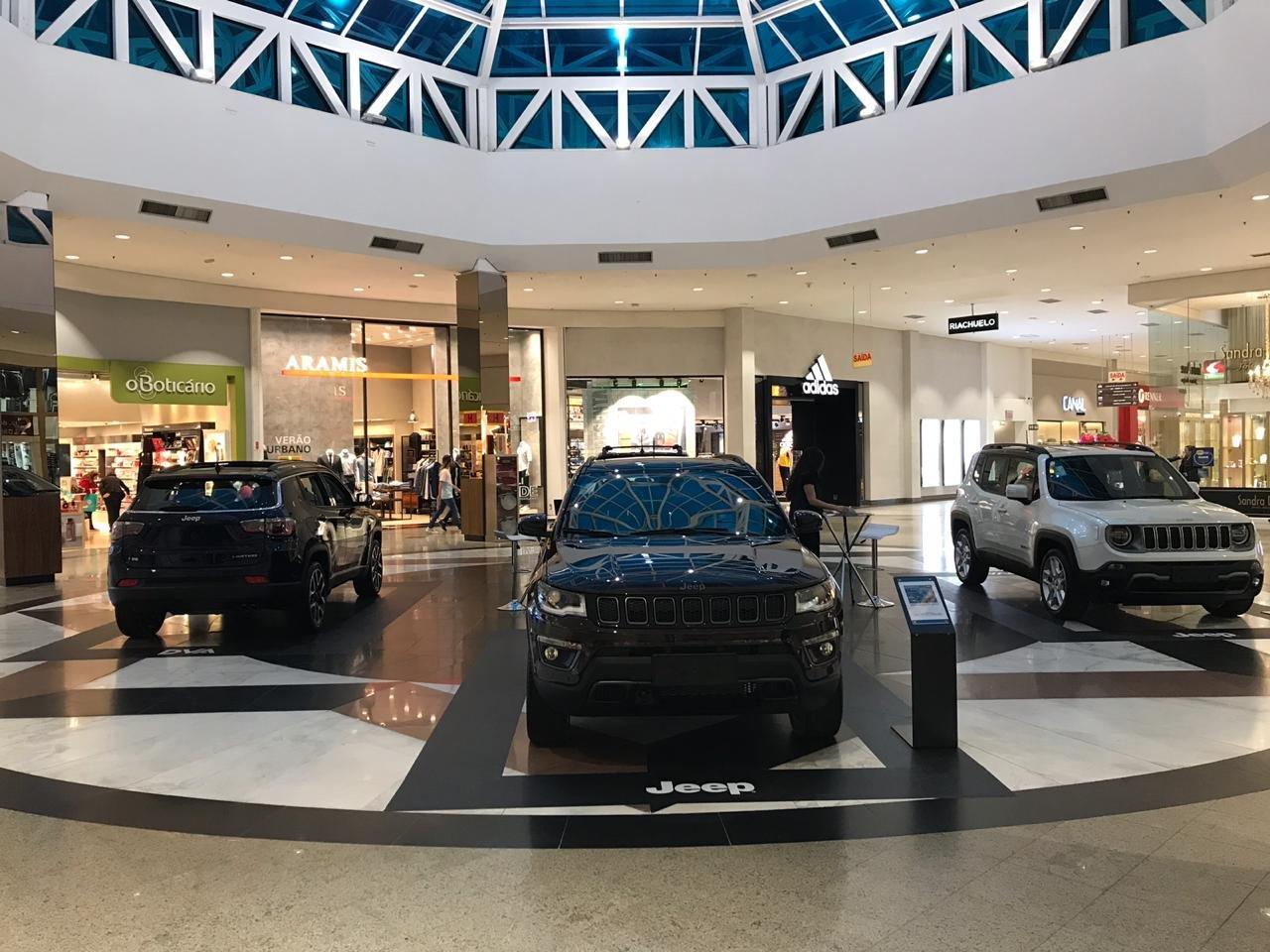 Espírito Jeep invade o Neumarkt Shopping, em Blumenau